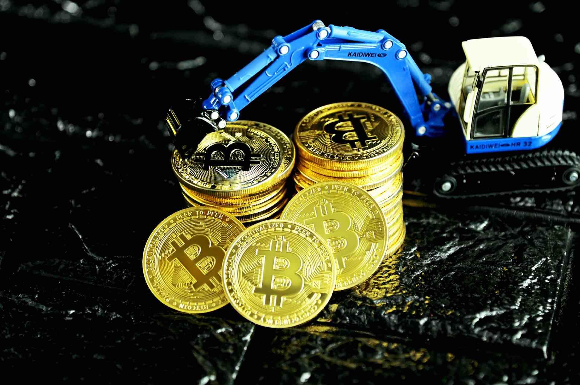 Analistas, influencers y hasta bancos han pronosticado que Bitcoin subirá a USD $100 mil este año