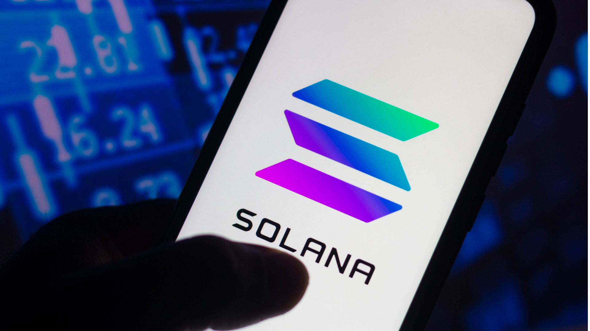 Mesmo após travar, Solana continua registrando maior valorização do ano