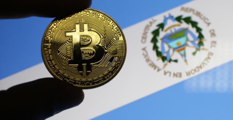 El Salvador compra mais Bitcoin à medida que o preço do BTC cai para $45.000