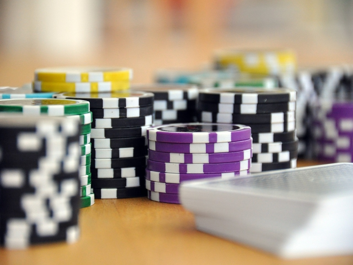 Tether, USDC – Is Gensler's 'poker chips' analogy for stablecoins really wrong