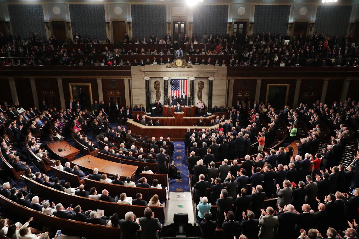 """Hạ viện Hoa Kỳ thông qua Dự luật Quốc phòng có điều khoản tiền mã hóa – Pháp lý đang """"bủa vây"""" crypto?"""
