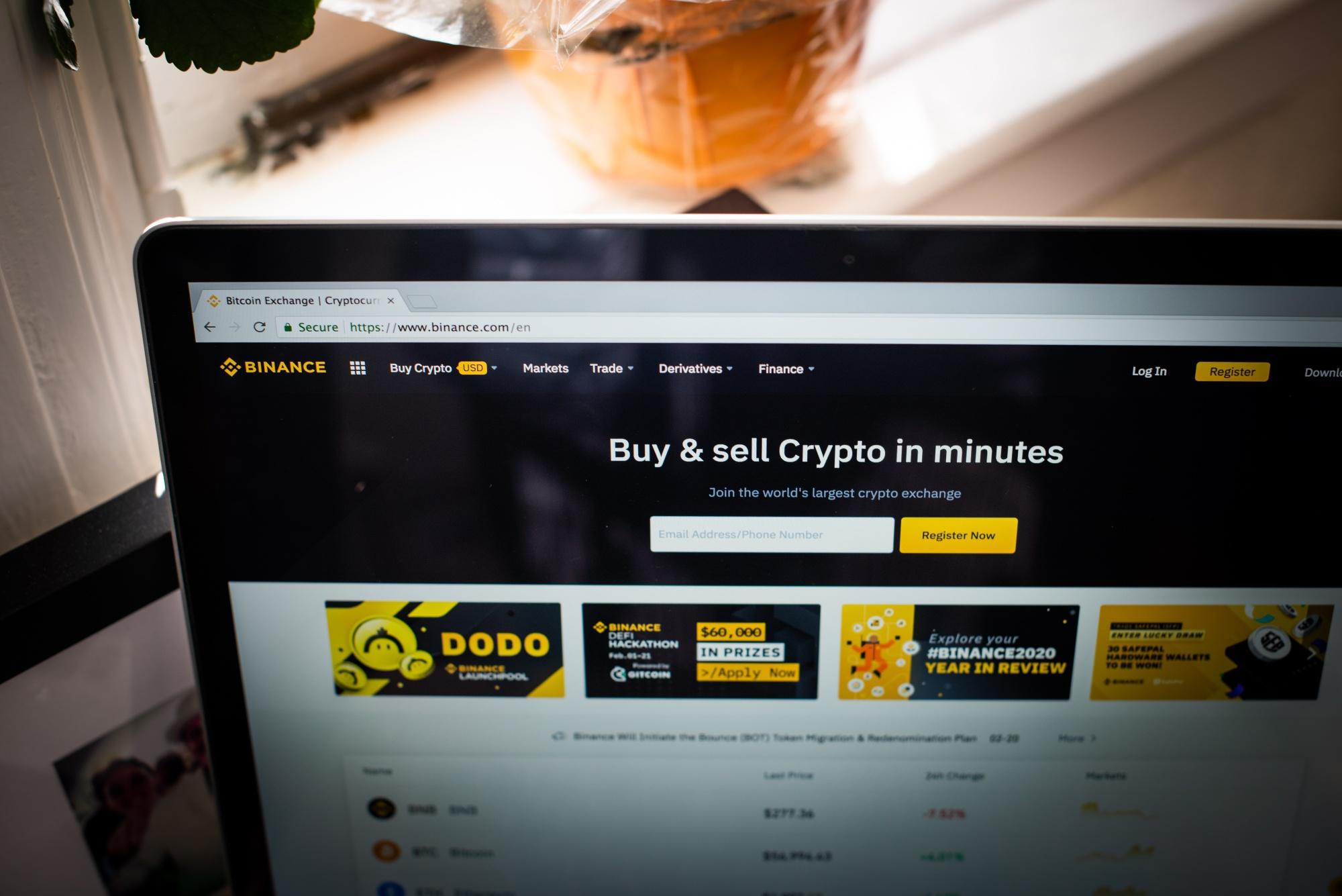 Binance chặn giao dịch giao ngay và tiền gửi fiat đối với người dùng tại Singapore