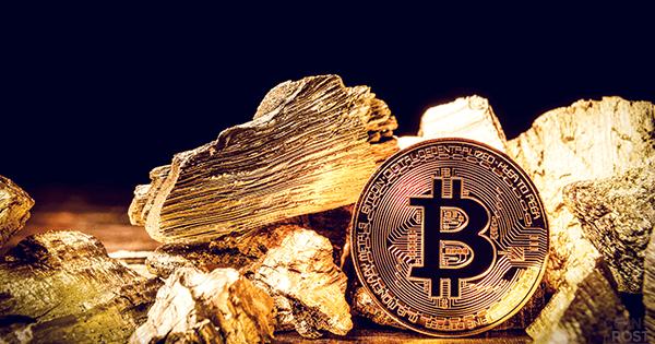 ビットコインの週足終値、過去最高値を更新 先物ETFの米国初認可で
