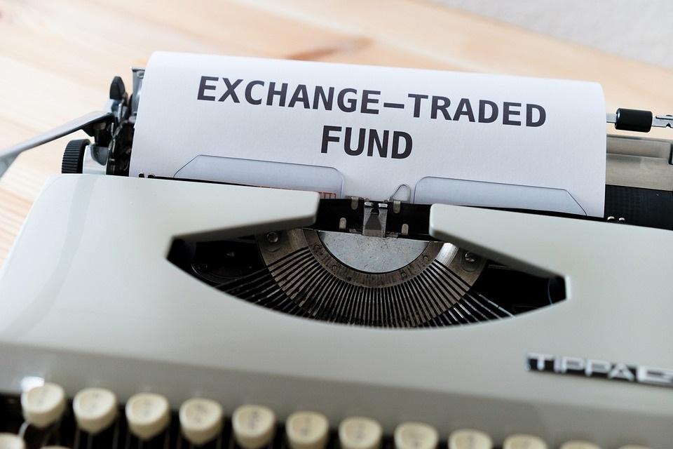 Bitcoin nahe Sechsmonatshoch inmitten von Inflationsbedenken, während der erste Futures-ETF sich abzeichnet
