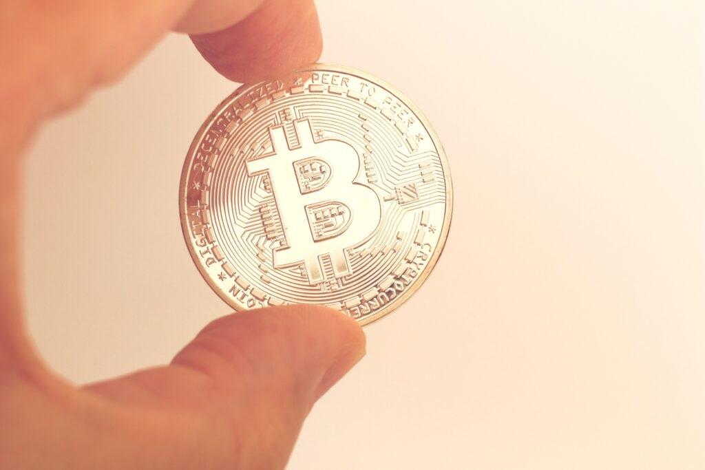 Bitcoin kurz vor 63.000$, Ethereum stößt auf Widerstand