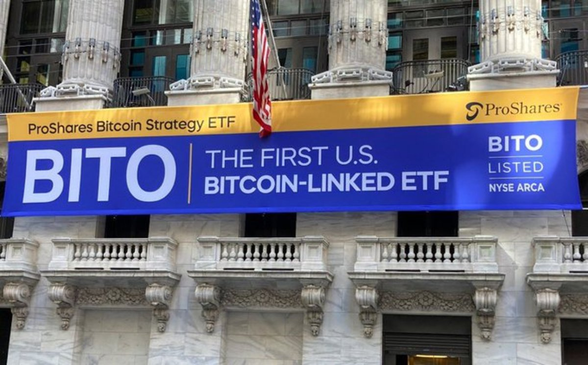 First Bitcoin Futures ETF Trades Over $1 Billion On First Day