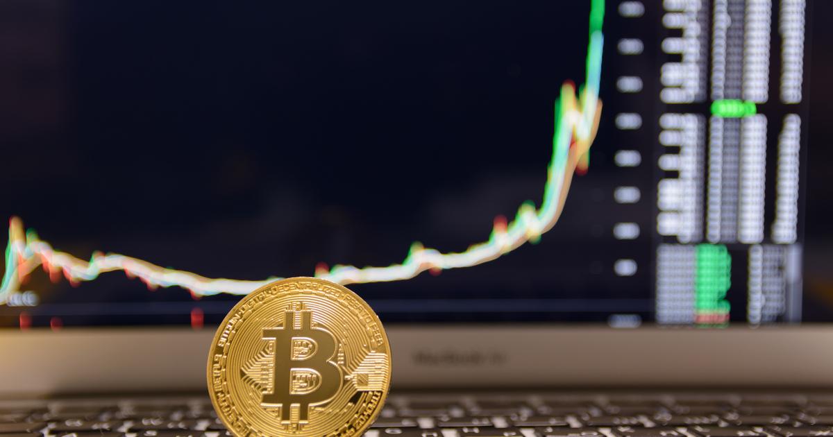 ビットコイン過去最高値更新でアルト市場に資金流入、相場の乱高下に警戒感も