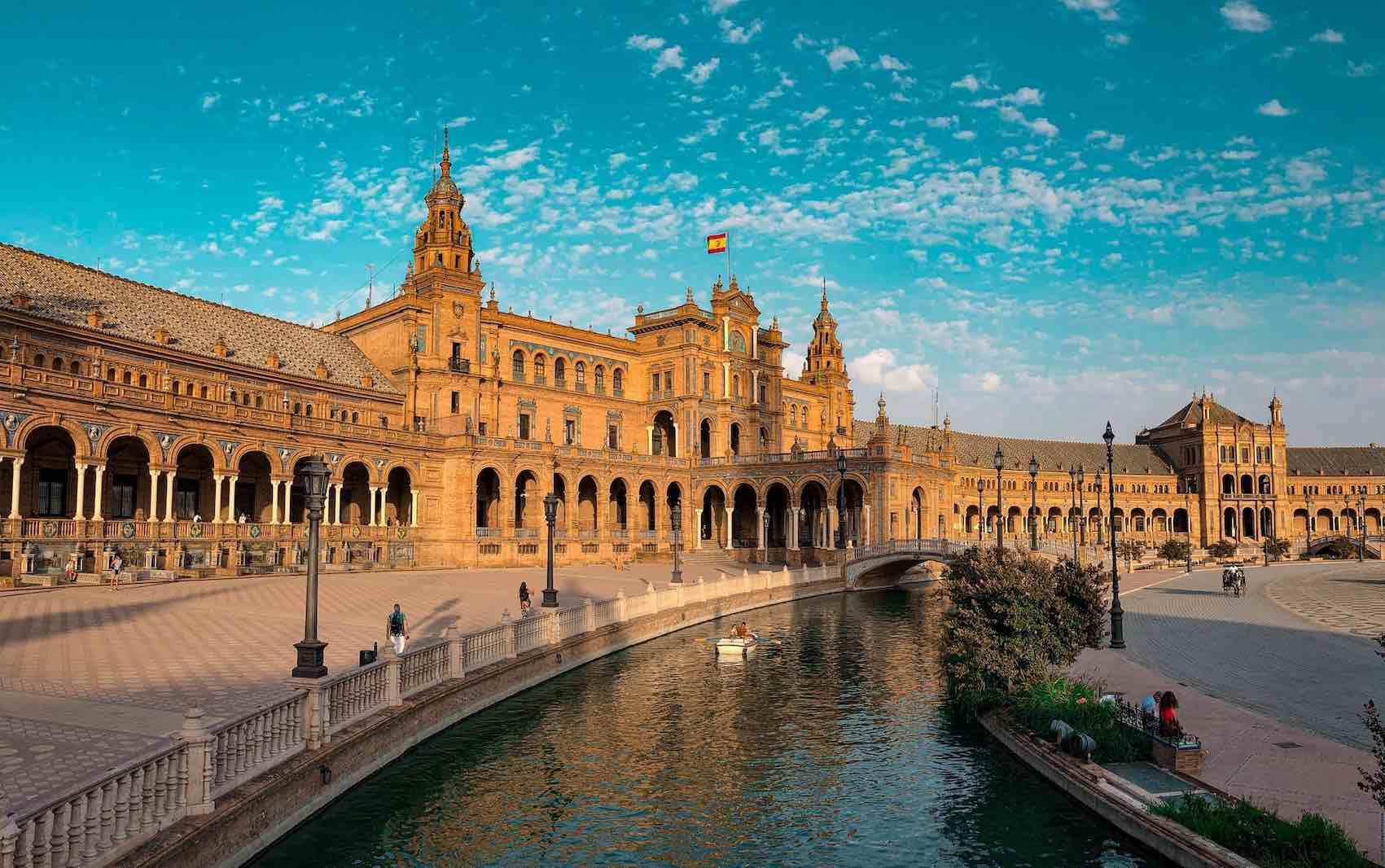 España: bancos podrán operar con criptomonedas pero deben inscribirse en un registro