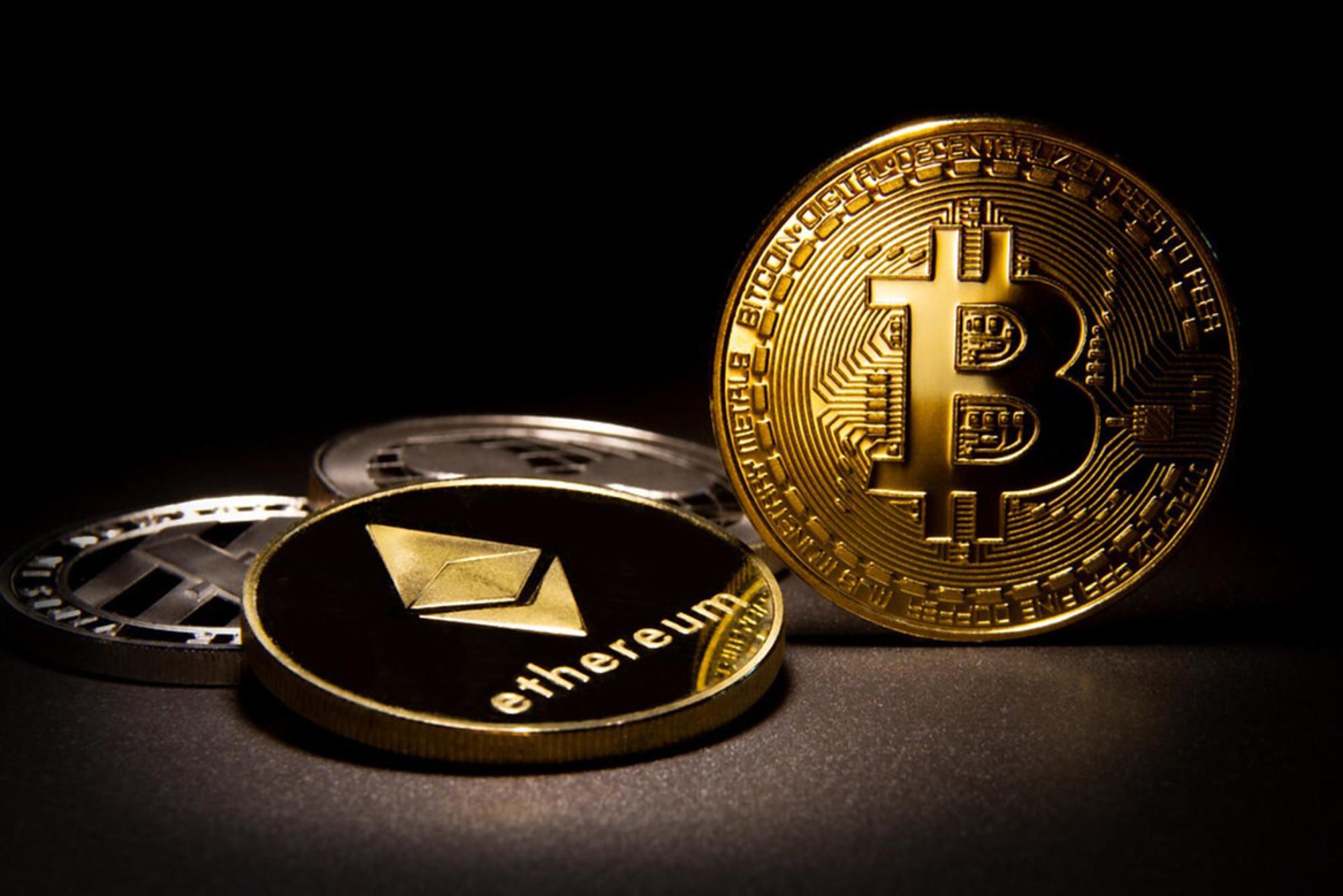Efsanevi Analist: Düşüş Bitmedi! Bitcoin ve ETH Bu Diplere Gidiyor