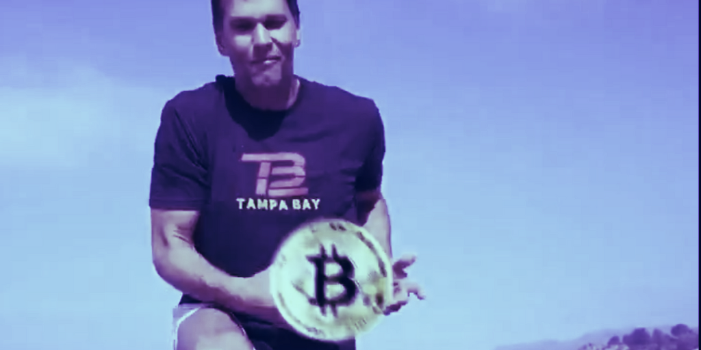 Tom Brady Gives Bitcoin to Fan for Return of TD Ball, Fan Asks for 'Round of Golf'