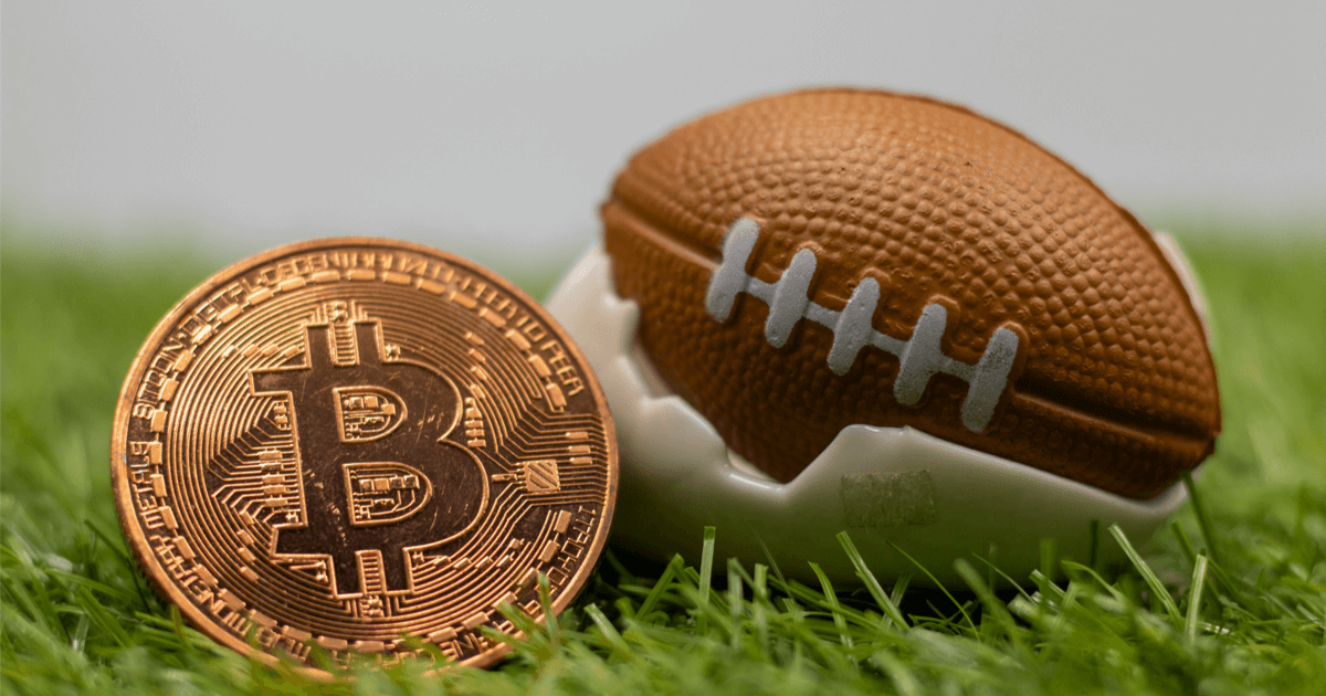 NFLのレジェンド、記念球返還したファンにビットコイン贈呈