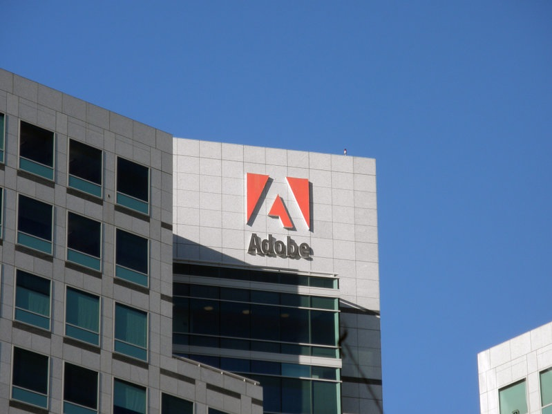 Adobe ermöglicht die Überprüfung von NFT-Metadaten
