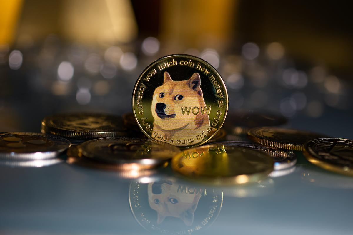 ドージコイン、2カ月ぶりの高値──柴犬コインを時価総額で再逆転